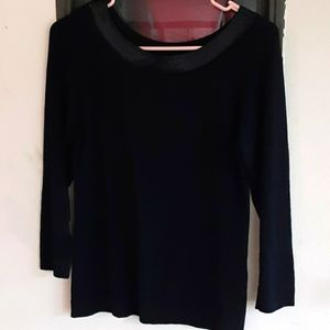 Notations sweater with detail on neck
